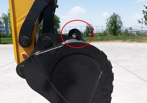 挖掘机挖斗上挂钩孔吊装功能说明